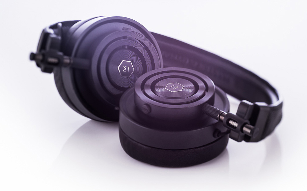 Master & Dynamic MH30 Headphone